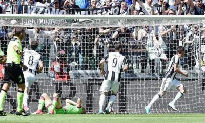 Juventus wins record sixth straight Serie A title