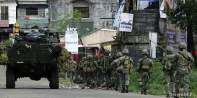 Philippines using helicopters to clear militants
