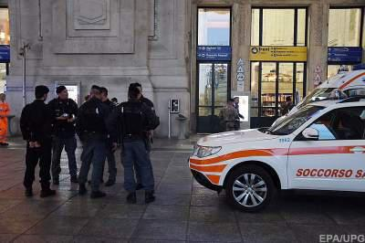 Soldiers, officer injured by assailant at Milan station
