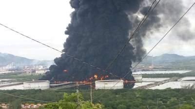 Fire reported at partly flooded Mexican refinery
