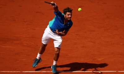 Wawrinka pierces Murray's armor to reach French Open final