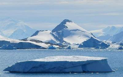 Scientists report enormous Texas-sized melting in Antarctica