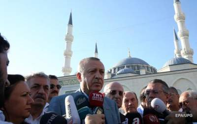 Erdogan rejects Arab demands; Turkish troops stay in Qatar