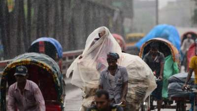 Heavy rains kill at least 35 in Bangladesh