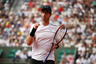 Andy Murray reaches fourth round of French Open