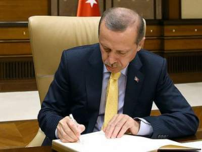 Turkey's president ratifies Qatar military deals