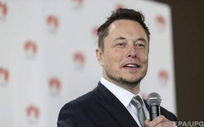 Elon Musk: SpaceX Falcon Heavy launch has 'real good chance' of failing