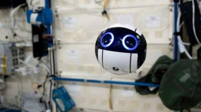 This Cute Camera Drone Now Lives on the International Space Station