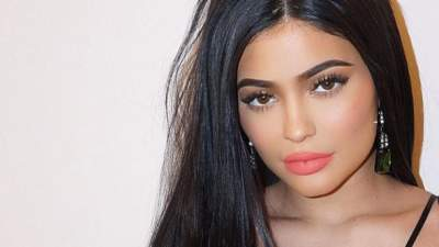 Kylie Jenner Strips Down and Bares Underboob in New Bikini Photo Shoot