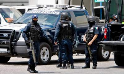 Masked gunmen shoot 11 dead at Mexico children's party