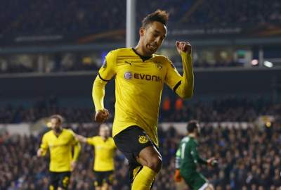 Chelsea offered chance to sign Pierre-Emerick Aubameyang for £65m