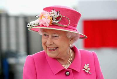 Queen Elizabeth II Says Drinking 4 Cocktails a day Is Perfectly Acceptable
