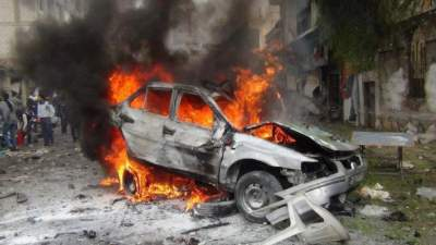 Auto bomb kills 2 in Syrian government stronghold