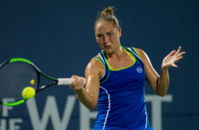 Kvitova cruises as favorites dominate at Stanford