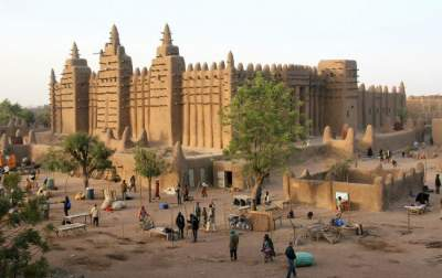 On base of the United Nations in Mali was attacked by local militants