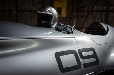 Infiniti creates 'barn find' 1940s race auto for Pebble Beach