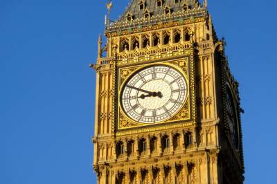 Big Ben falls silent as some British MPs make noise