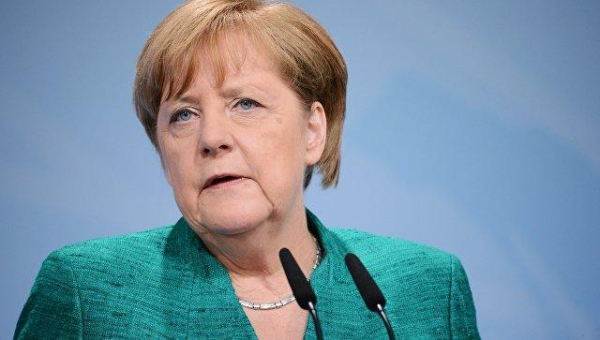 Merkel warns Turkey after two more German citizens detained