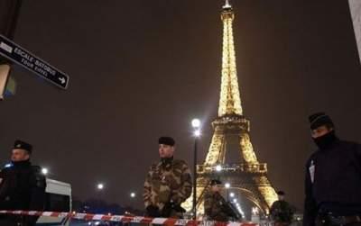 Eiffel Tower on Lockdown; Man Arrested