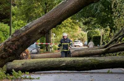 Two killed by fierce storm in northern Germany