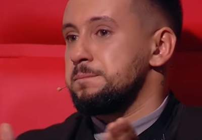 Dmitry sincerely burst into tears on hearing the singing contestant Ian  Mountain, who came from Sevastopol.