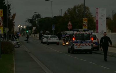 Во Франции машина въехала в толпу людей