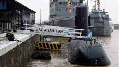 Missing sub crew families ask Argentina to continue rescue
