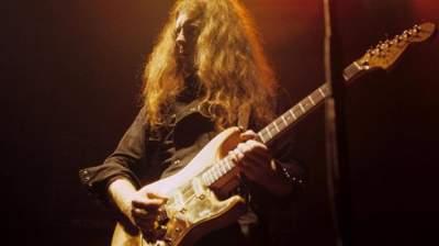 Motorhead Guitarist 'Fast' Eddie Clarke Dead at 67