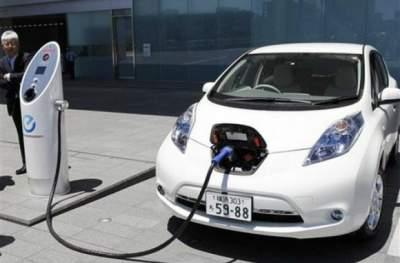 Эксперты рассказали, когда подешевеют электромобили