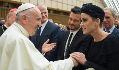 Katy Perry, Orlando Bloom meet Pope Francis