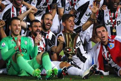 Juventus crush AC Milan 4-0 to win fourth consecutive Italian Cup