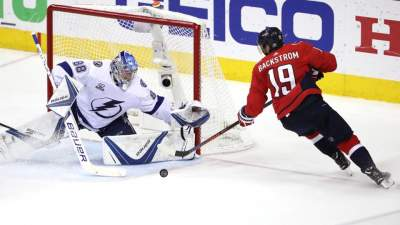 Hedman shines as Lightning strike down Capitals