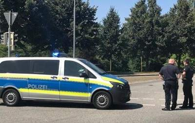 Several injured in attack on bus in Germany