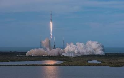GALLERY: Block 5 Falcon 9 sends Telstar 19V into space