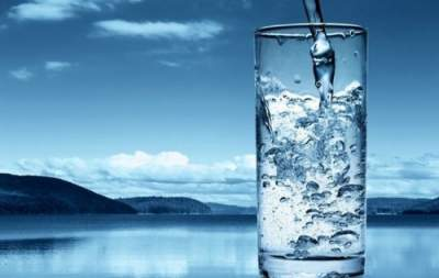 The doctors suggested how to drink water