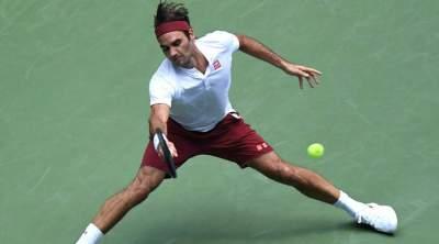 Novak Djokovic tames heat and Joao Sousa to make quarters