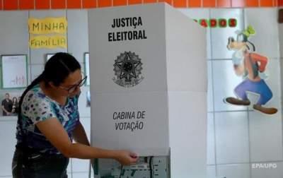 Far-right candidate Jair Bolsonaro wins Brazil's presidential election