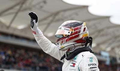 Lewis Hamilton's title hopes boosted by Sebastian Vettel's grid drop