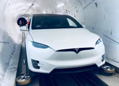 Elon Musk unveils prototype high-speed LA transport tunnel
