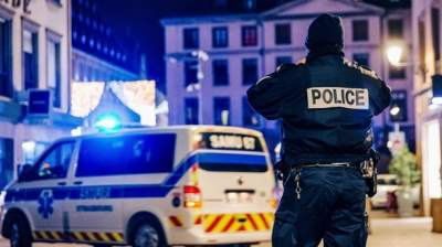 Strasbourg attack: Armed cops cordon off area after market shooting
