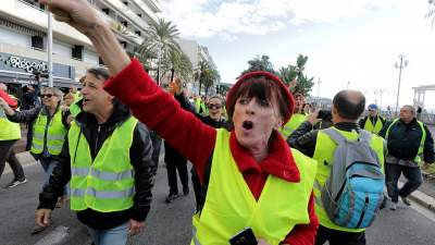 Yellow Vest Protests Cost Shopping Malls $2.27B