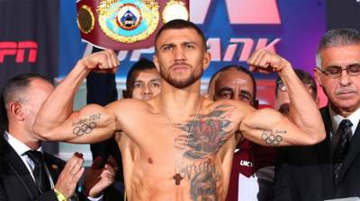 Lomachenko beats Pedraza to unify lightweight belts