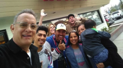 'Nice guy' Tom hanks surprises his fans!