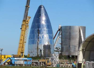 Elon Musk's Mars rocket takes shape