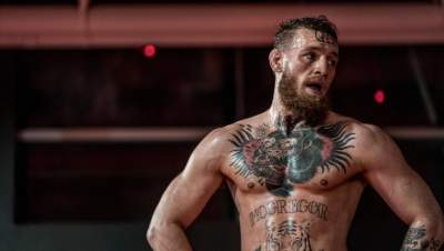 Alleged robbery victim: Conor McGregor went in for handshake before stealing phone