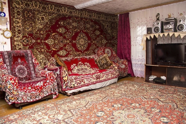 Why You Need To Throw A Soviet Carpet